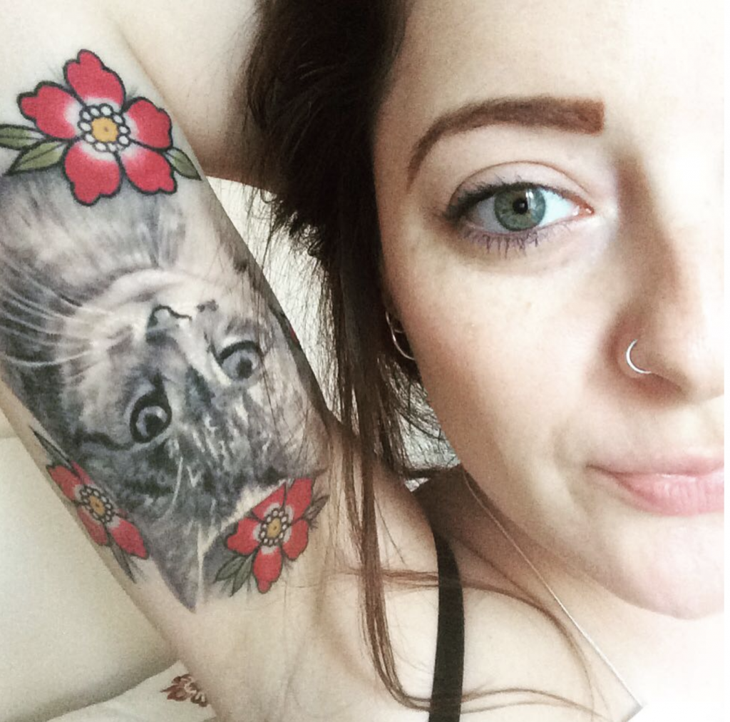 Tatouage de chat par Sam Stokes
